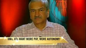 Video : Ex-IIM director on pay issue