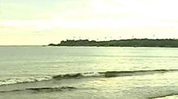 Video : Mumbai, Gujarat off cyclone radar