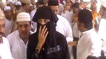 Video : Shilpa, Yusuf pray for team's win