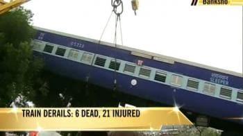 Video : Train derails near Jaipur, 6 dead