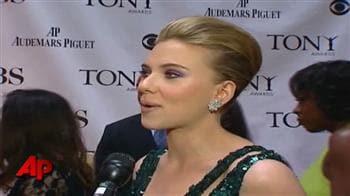 Video : Stars at the Tony Awards red carpet